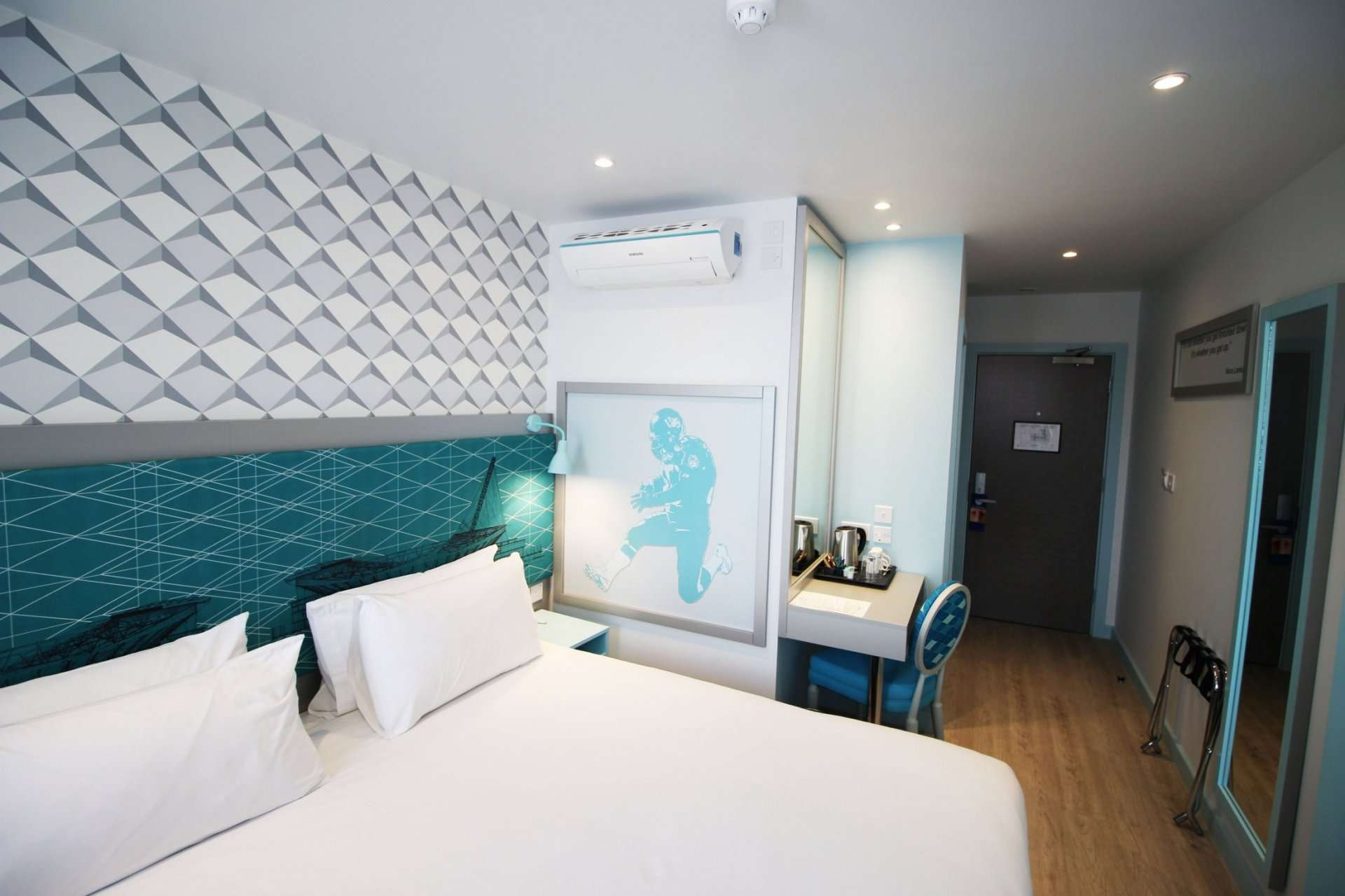 Double room at the Wembley Hotel from LHG